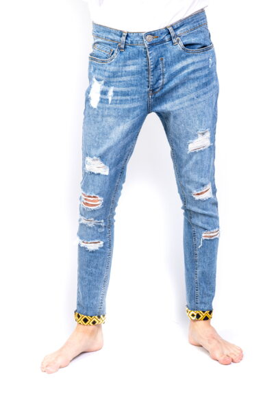 Light blue ripped jeans Front